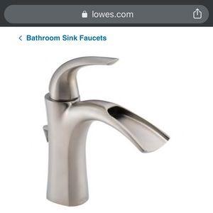 Brand New in Box!!! Nyla Bathroom Sink Fixture!!!